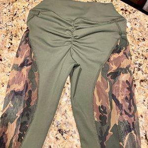 ABS2B women's leggings size XS LIKE NEW!!